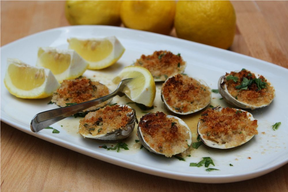 454-cwn-baked-clams-1000.jpg#baked%20clams%201000x667