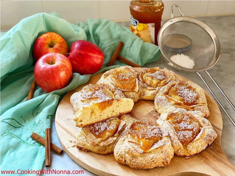 Apple & Jam Pull Apart Cake
