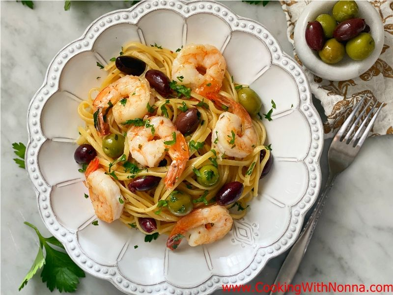 Linguine with Shrimp and Olives in White Wine Sauce