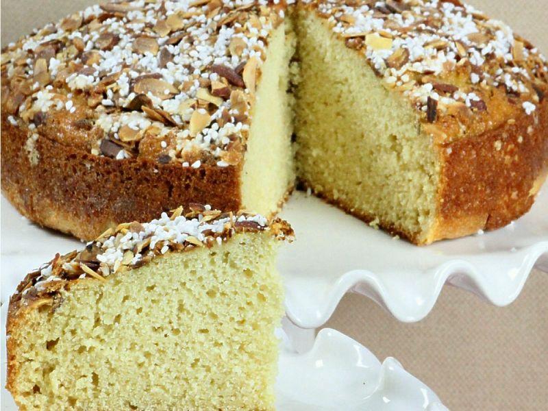 Nonna Dorotea's Almond Cake
