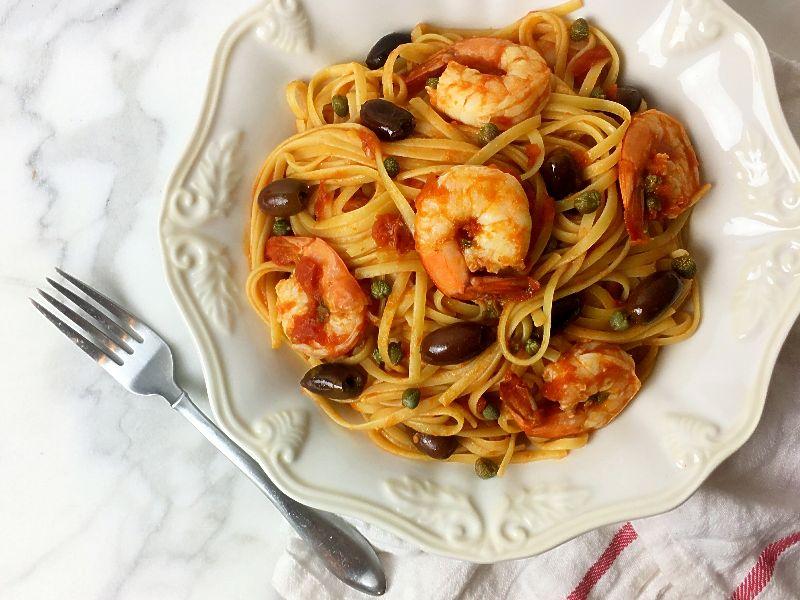 Linguine with Shrimp and Olives