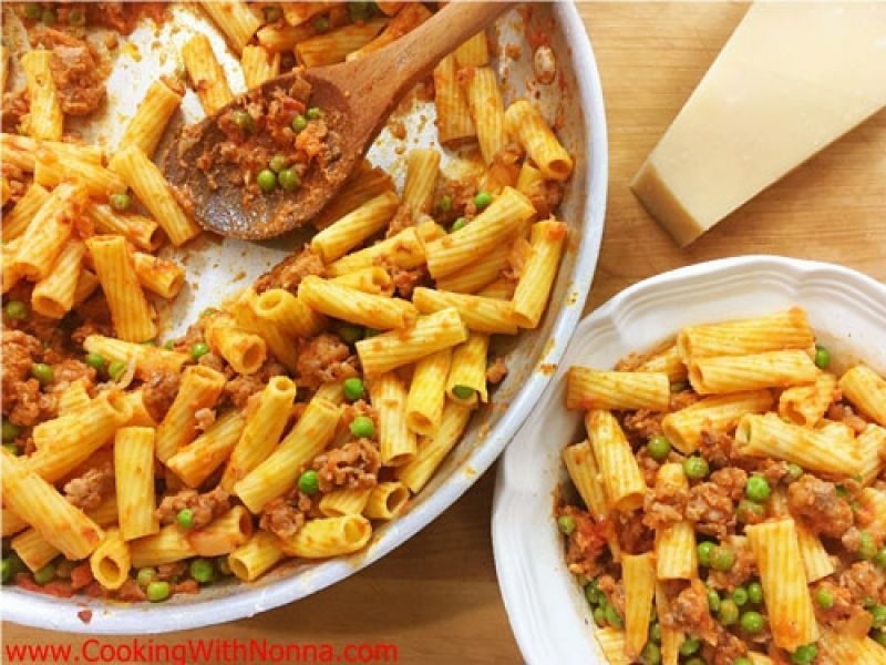 Rigatoni with Sausage and Peas in Vodka Sauce