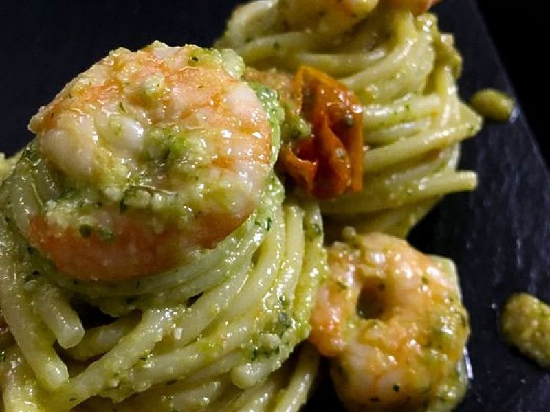 Spaghetti with Zucchini Pesto, Shrimp and Cherry Tomatoes