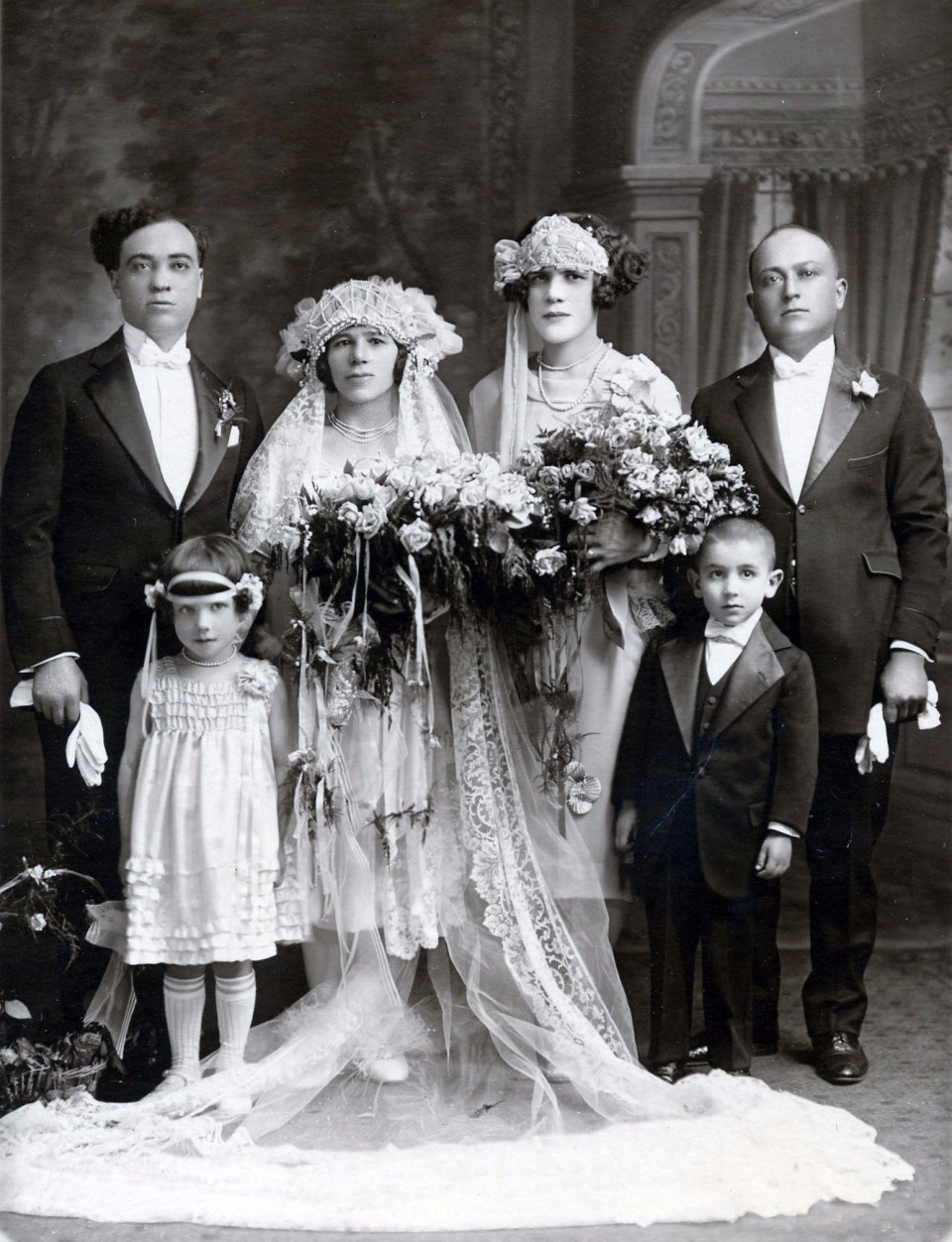 and one more.... A great lady and a Mulberry street legend... my bisnonna's sister in law Anna Maria Cornacchia-Gifoli on her wedding day.  She never was able to have kids but was a nonna to all that new her.  Her husband Crestino Gifoli was from Serramezzano.   Wedding. June 6 1926 - Geraldo Maffea and Irene Trezza as witnesses. Also my Grandmother Filomena is that CUTE little girl.