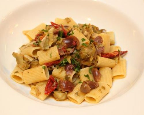Rigatoni, Artichokes and Sun Dried Tomatoes
