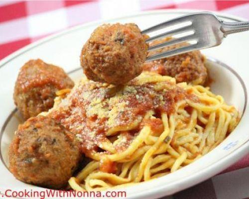 Spaghetti alla Chitarra with Meatballs