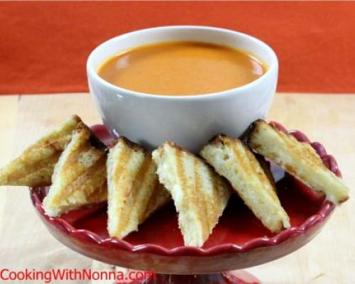 Tomato Soup with Mozzarella Asiago Dippers